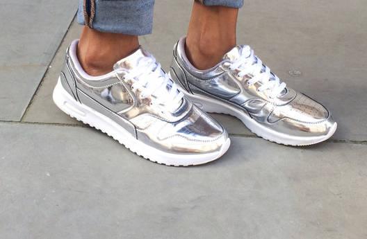 Вижте, кои са модните тенденции при дамските маратонки!