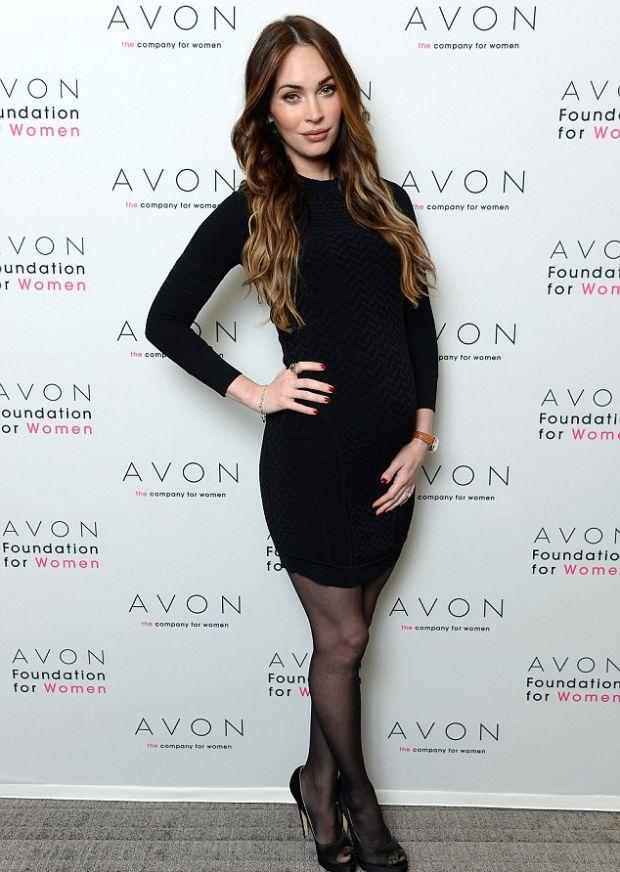 Вижте как изглежда една холивудска звезда, бременна в седмия месец!
