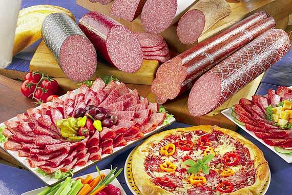 Тази статия ще Ви откаже завинаги от колбасите! Вижте какви гадости ядем!!!