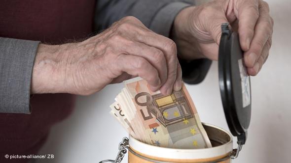 Бум на гръцките пенсионери в Кърджали! Няма да повярвате защо!!!