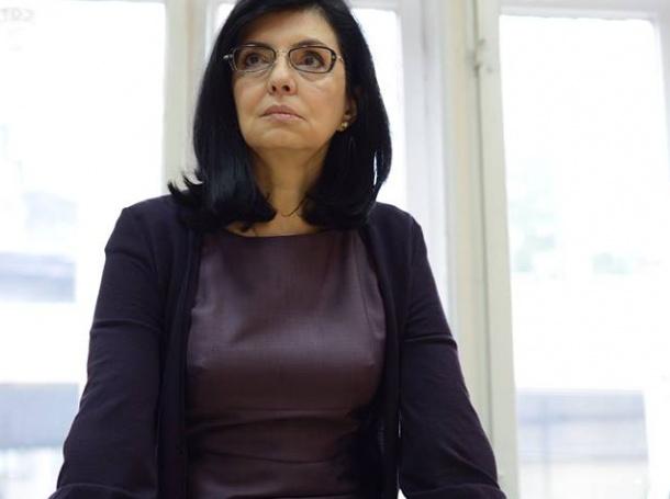 Скандал! Искат оставката на Меглена Кунева!